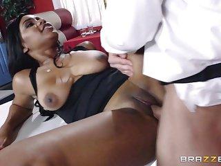 Brazzers - Ebony babe Jenna J Foxx loves white cock