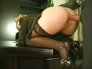Office Right Sex(11Closed Man,Bottomless Female)