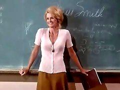 Angie Dickinson sexy profesora