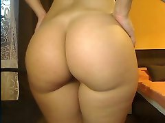 Pussy Galore 46